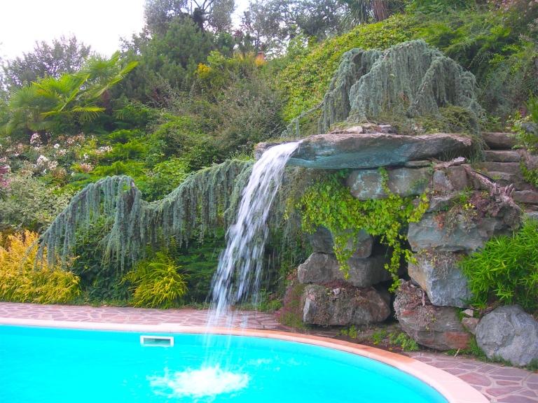 Impianti di irrigazione torino vivai castagno for Cascate laghetti da giardino